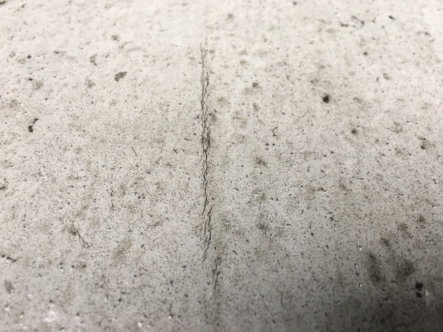 防水層の亀裂