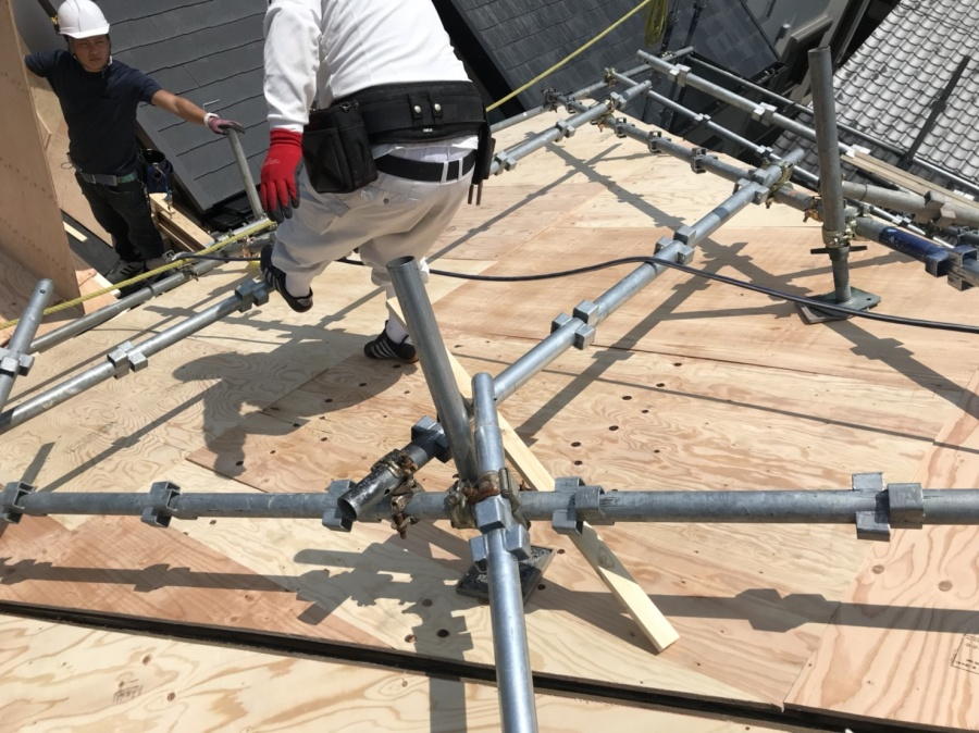 スーパーガルバリウム鋼板ガルテクト葺き 下地張り