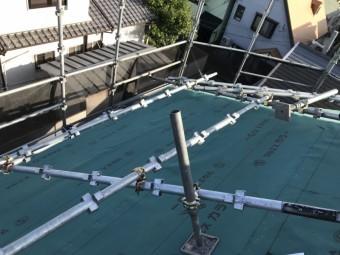 神戸市灘区スーパーガルバリウム鋼板ガルテクト葺き ルーフィング敷き込み