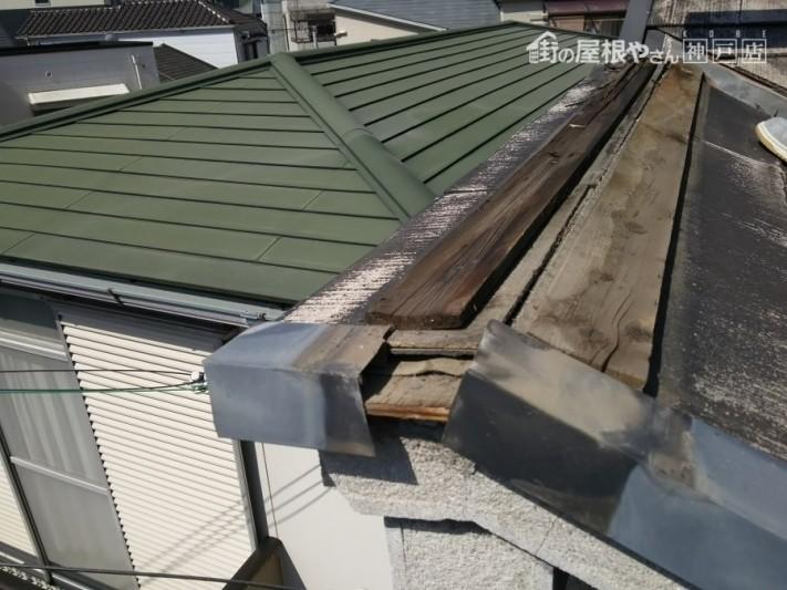 棟板金解体、下地貫板の状態