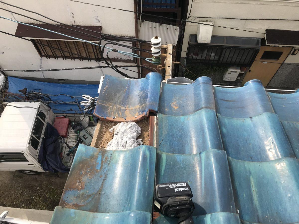 なんばんを瓦の土台として使います。
