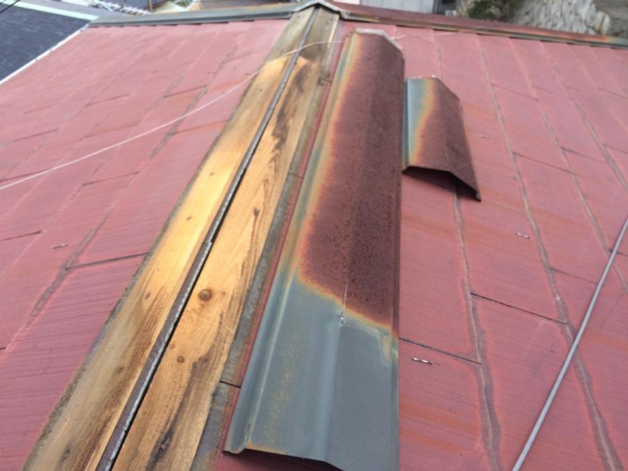 コロニアル屋根棟下地貫板の状態