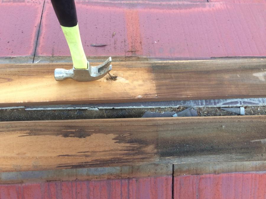 コロニアル屋根貫板の撤去・釘抜き