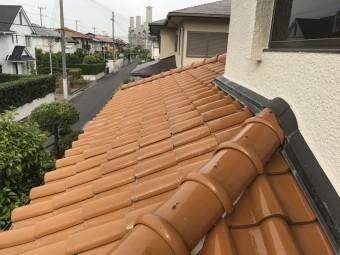 下屋根に上り調査を行いました