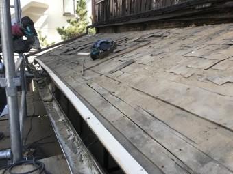 屋根の清掃完了、トントン葺きの屋根です。