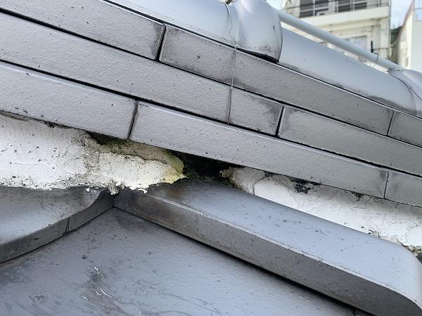 棟面戸の漆喰の隙間
