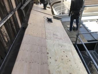 屋根の下地完成。ここから防水処理を行います。