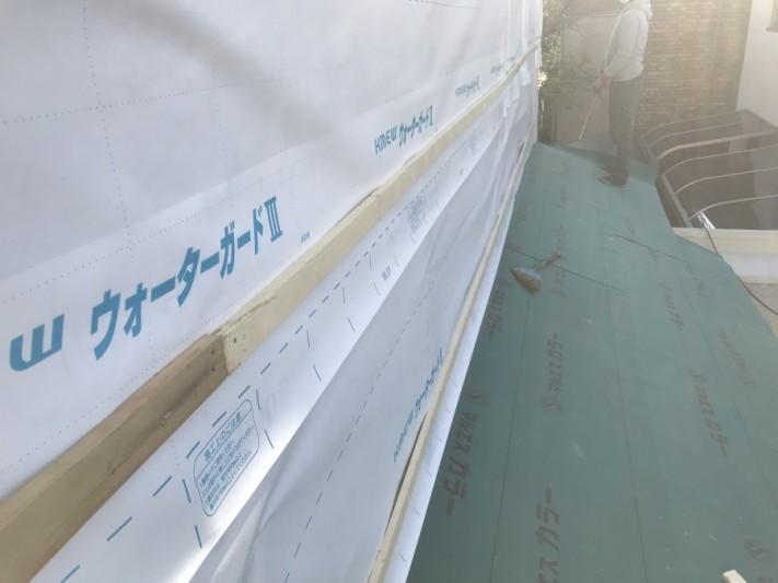 外壁、下屋根防水シート施工