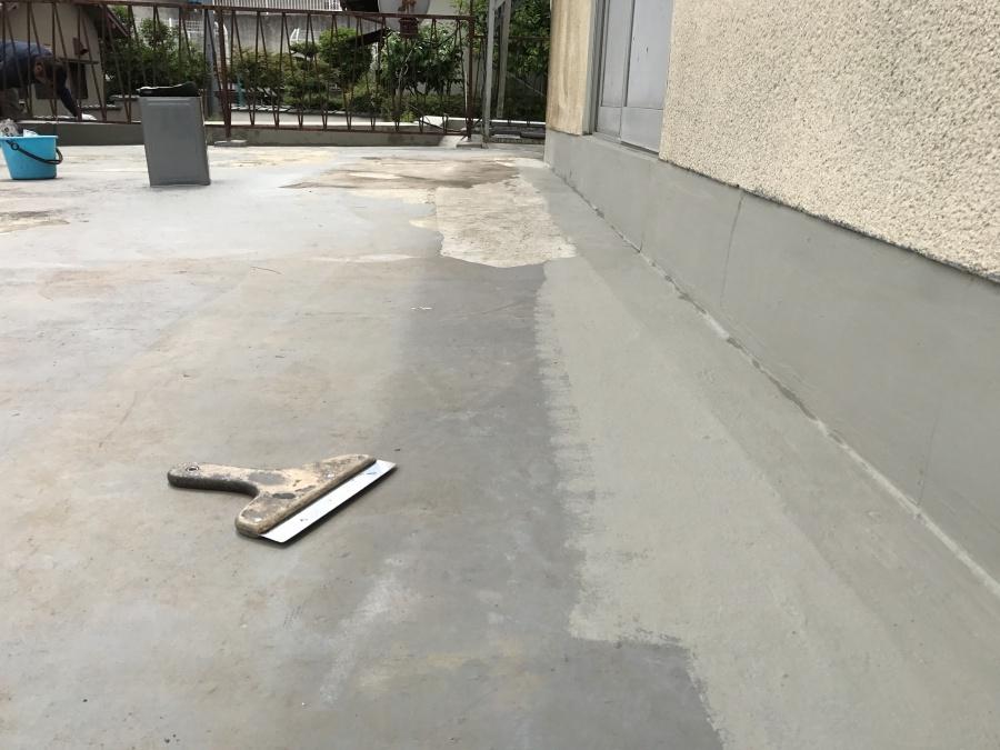 家屋部壁の取り合いも施工が完了カチオンペースト