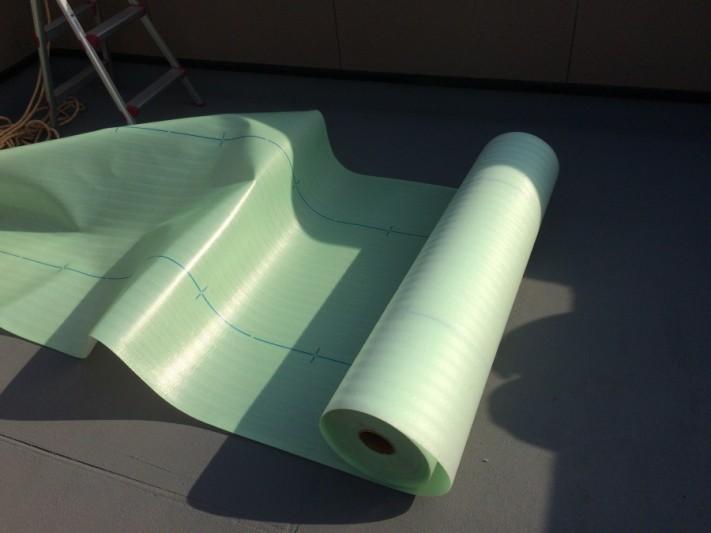 雨漏り防水工事でUマット(絶縁シート)施工