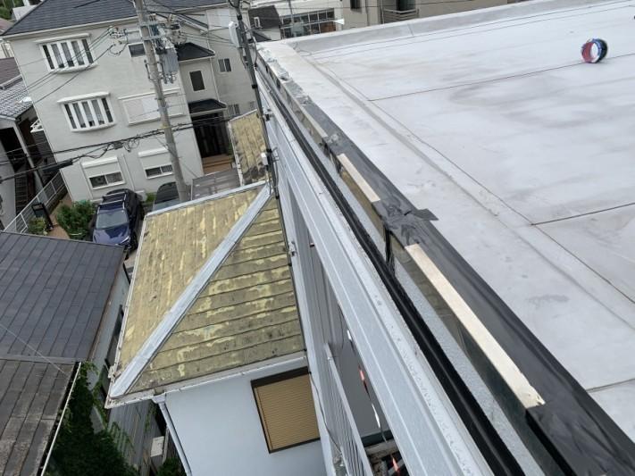 屋根修繕で防水テープを使い着工までの養生