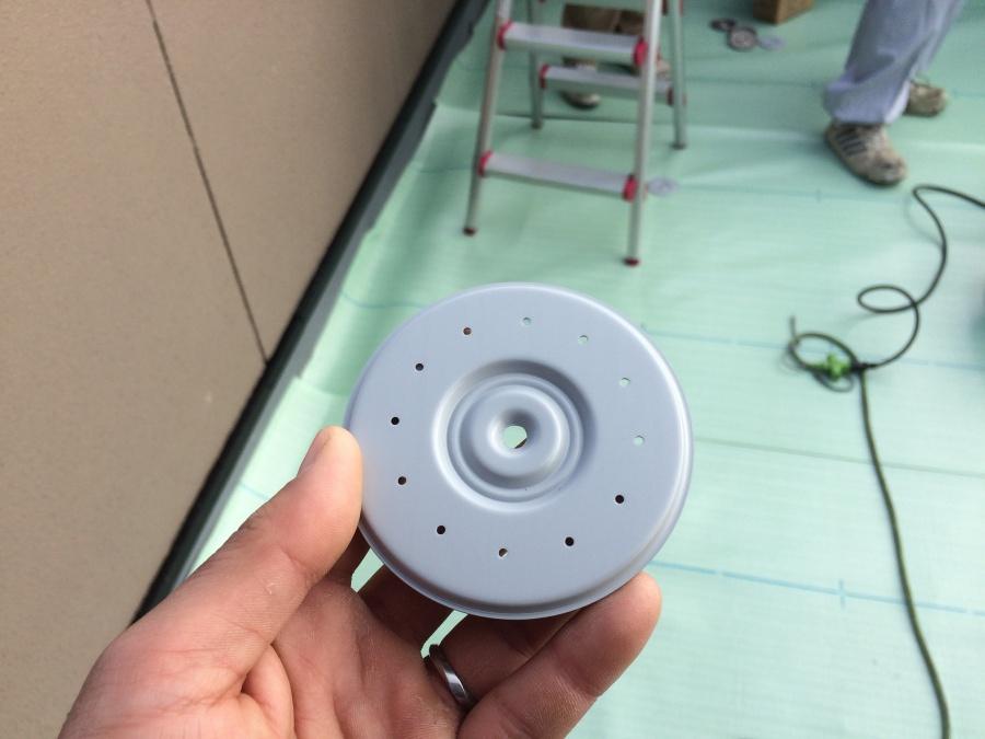 雨漏り防水工事のUPディスク(塩ビ鋼板ディスク)