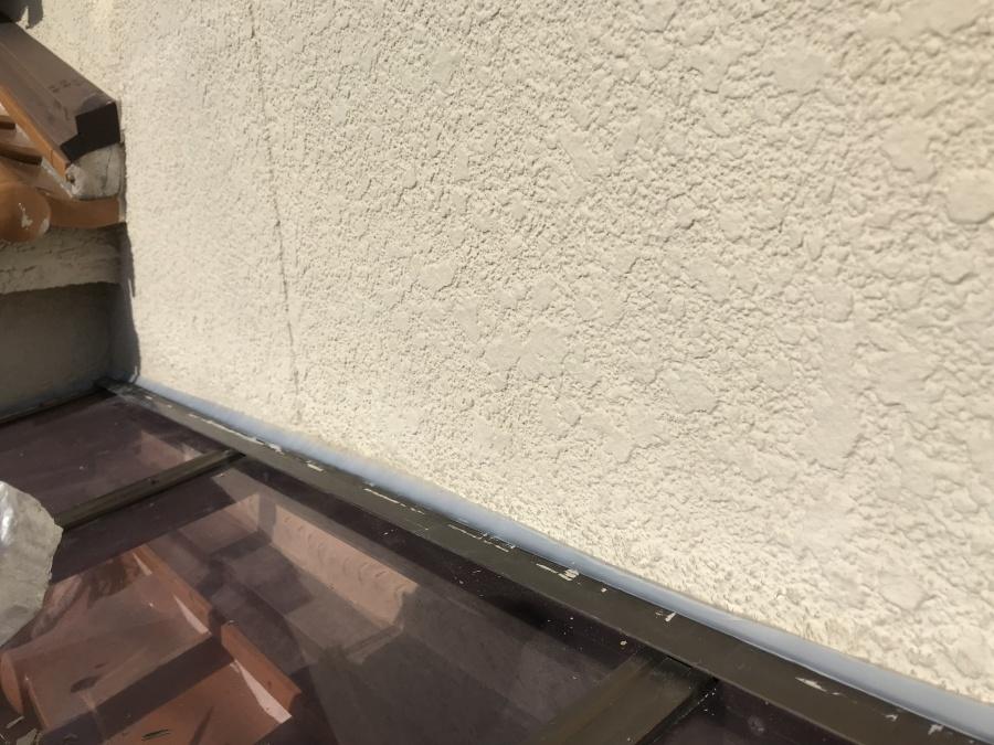 テラスと壁の取り合いシーリング完了