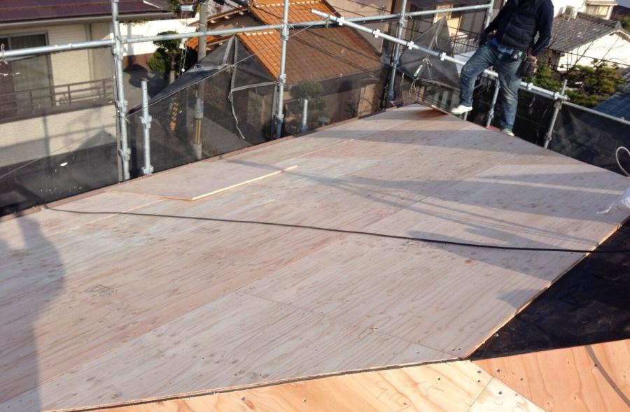アーバニー屋根 野地板の増し張り完了