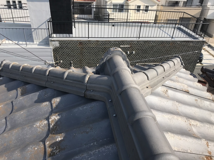 増築部分は違う屋根材のかわらUでした。