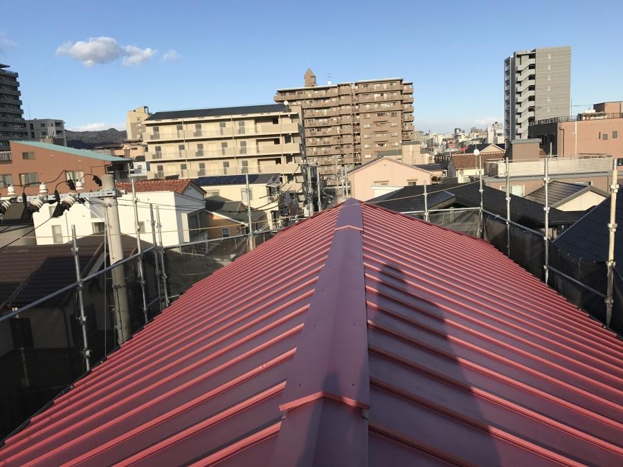 コロニアル屋根カバー工事 立平葺き完成