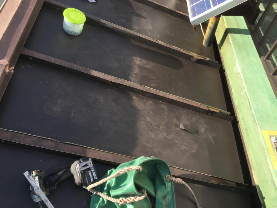 ガルバリウム鋼板の施工、瓦棒カバー工事