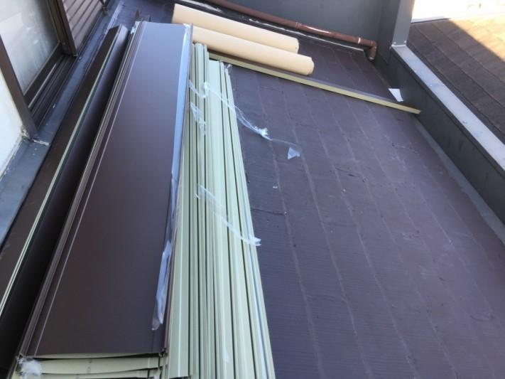 カバー工事の材料搬入