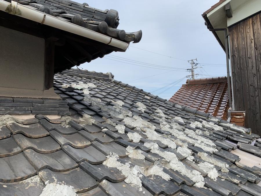 屋根点検開始 燻瓦葺き屋根