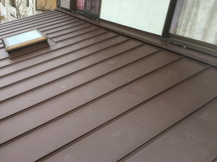 下屋根カバー工事 立平葺き完成