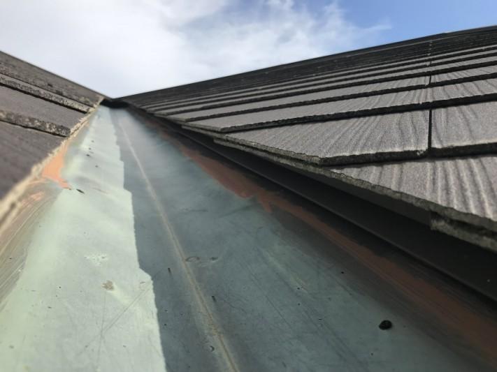 雨漏り 銅板の谷板金