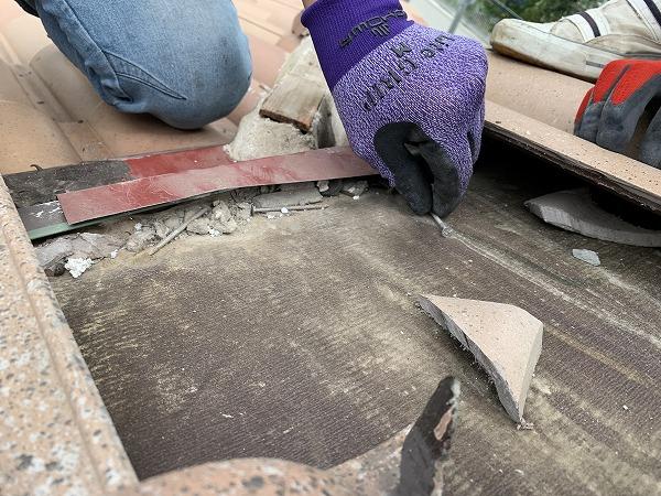 屋根修繕時の屋根と棟の取り合い部