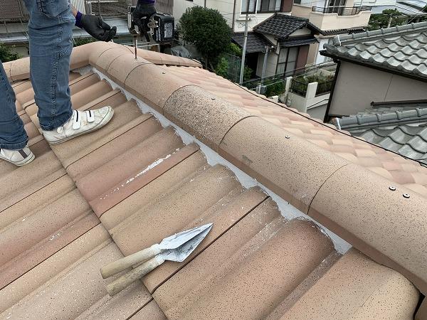 屋根修繕で棟瓦復旧