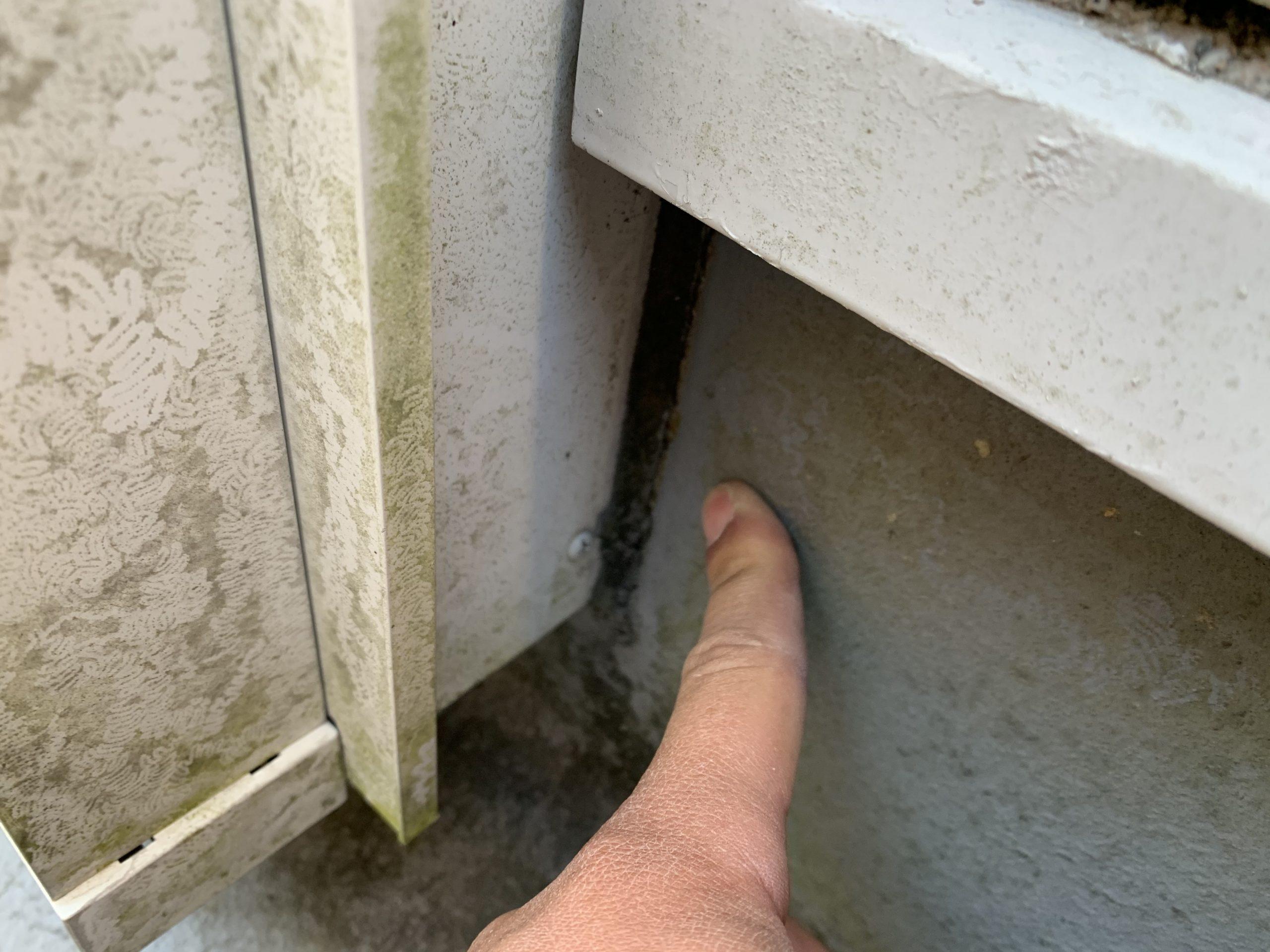 防水とサッシの取り合い部の様子