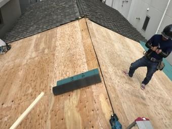 新しい屋根の野地板の完成です!