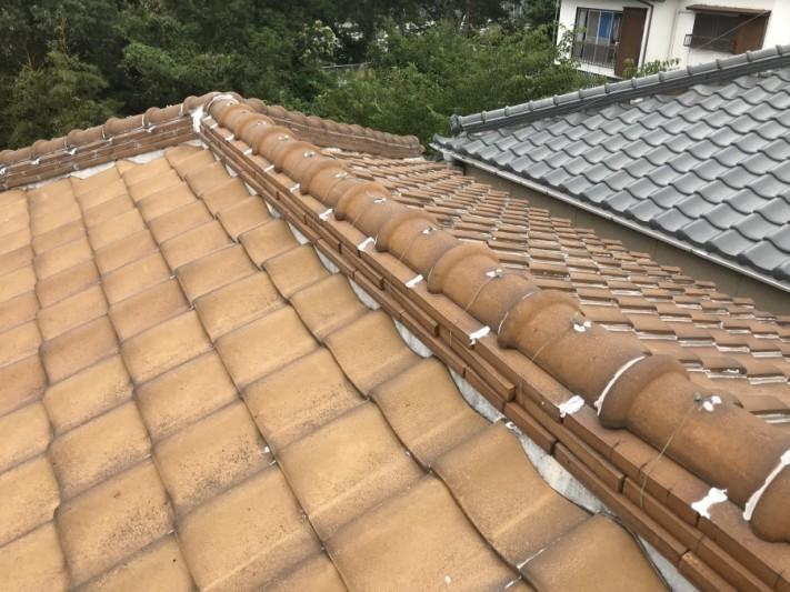 釉薬瓦葺き屋根