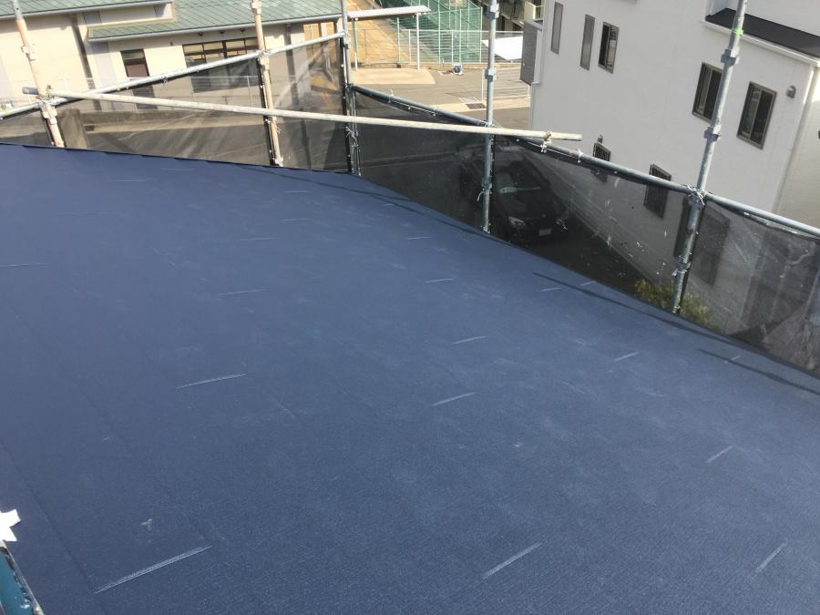 大屋根スーパーガルテクト葺き後