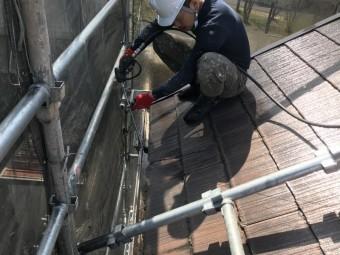 洗浄の際雨樋内部も洗浄を行います。