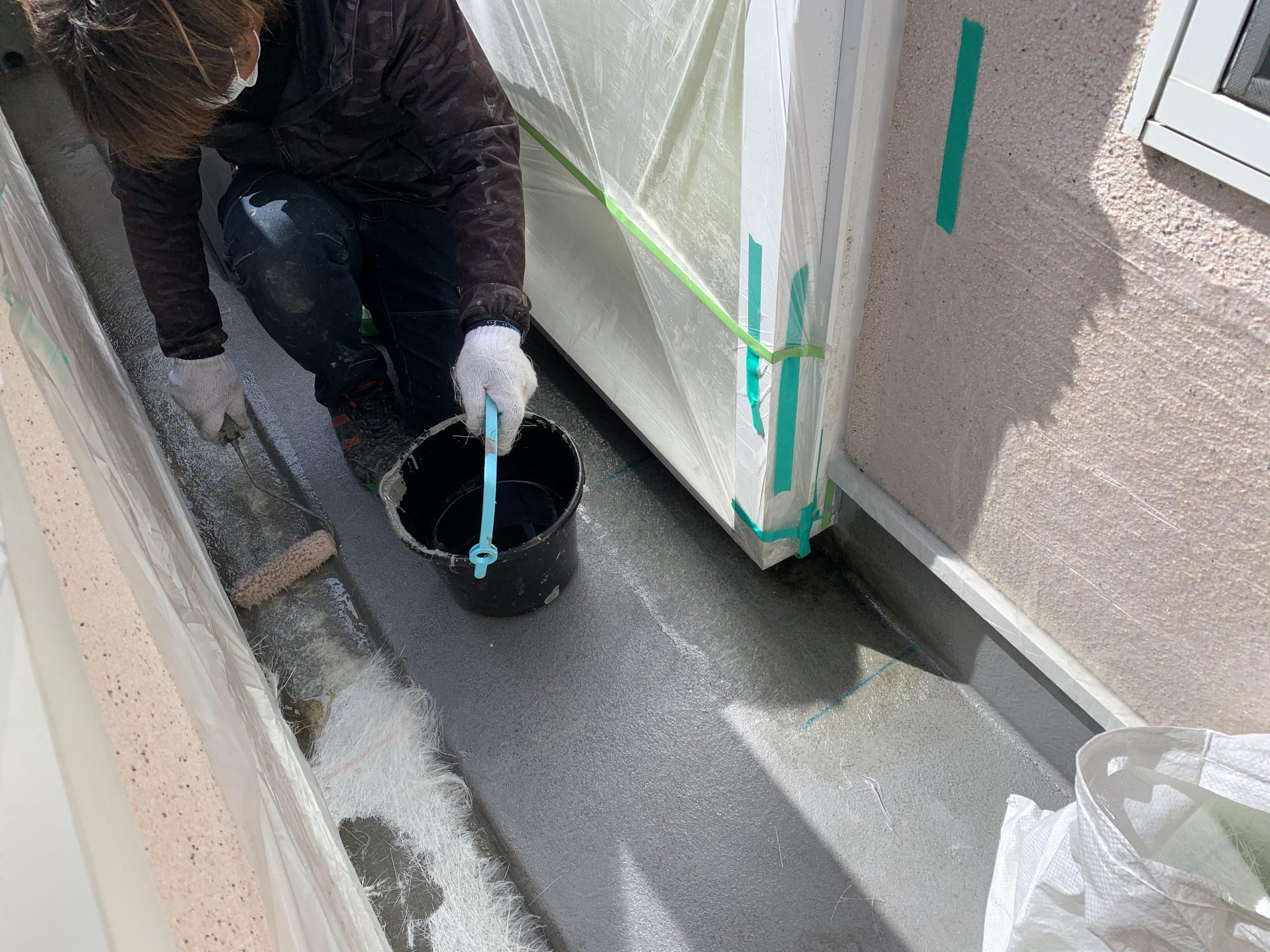 FRP防水中塗り マット貼り付け