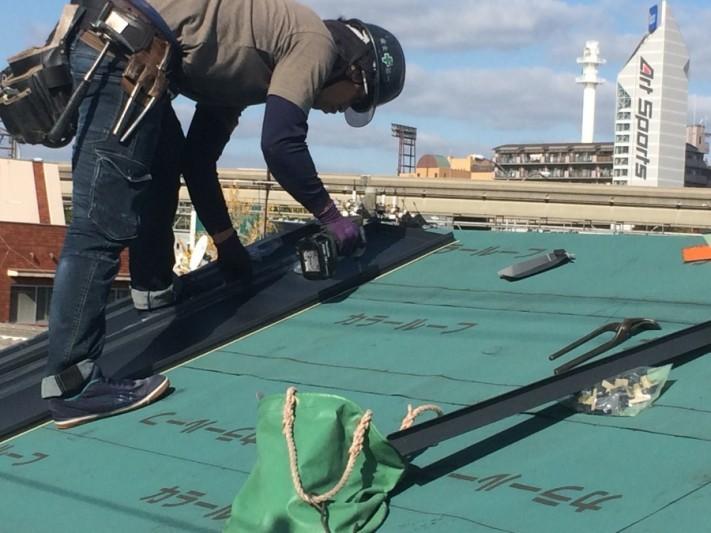 ガルバリウム鋼板『立平』の施工