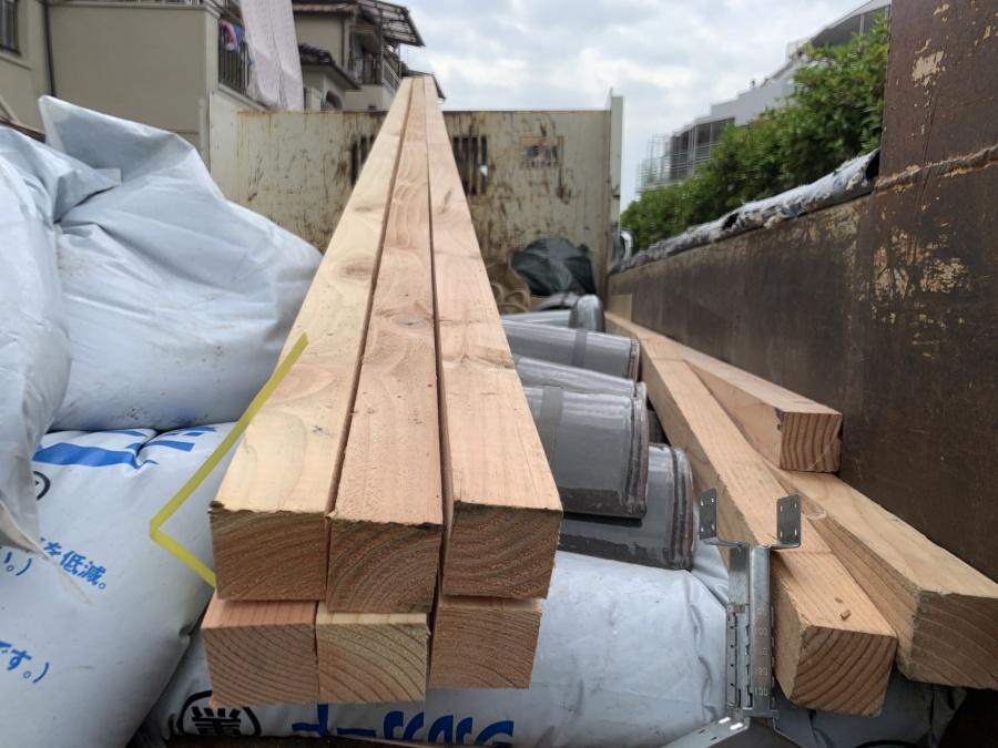 新しい棟の下地となる垂木です。