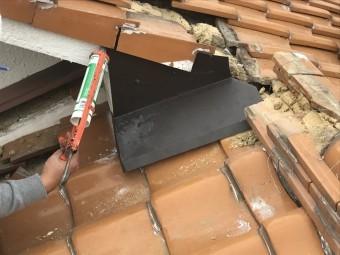 板金と壁の取り合いコーキング処理