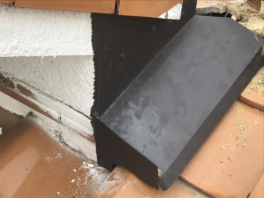 ガルバリウム鋼板雨押え取付完了2