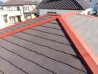 コロニアル屋根塗装、板金部にはサビ止めを塗装します!