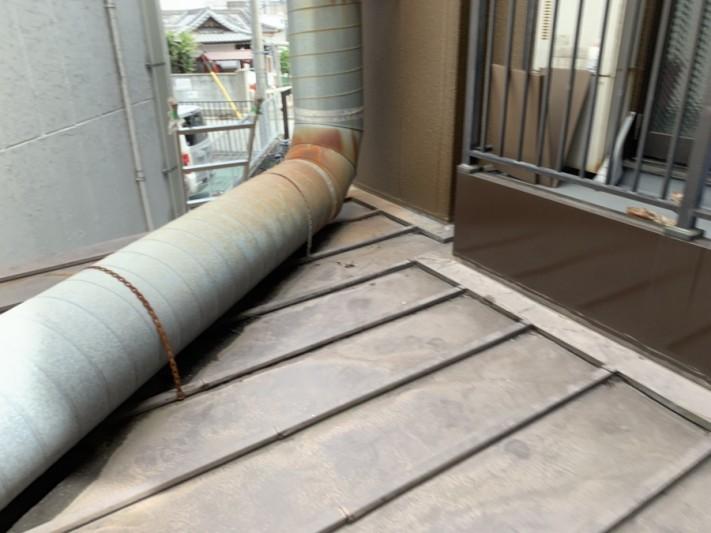 瓦棒葺きの屋根