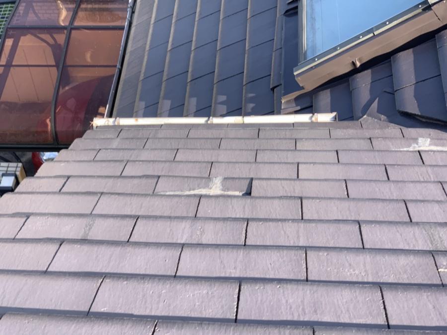 屋根修繕前のセメント瓦 補修の跡