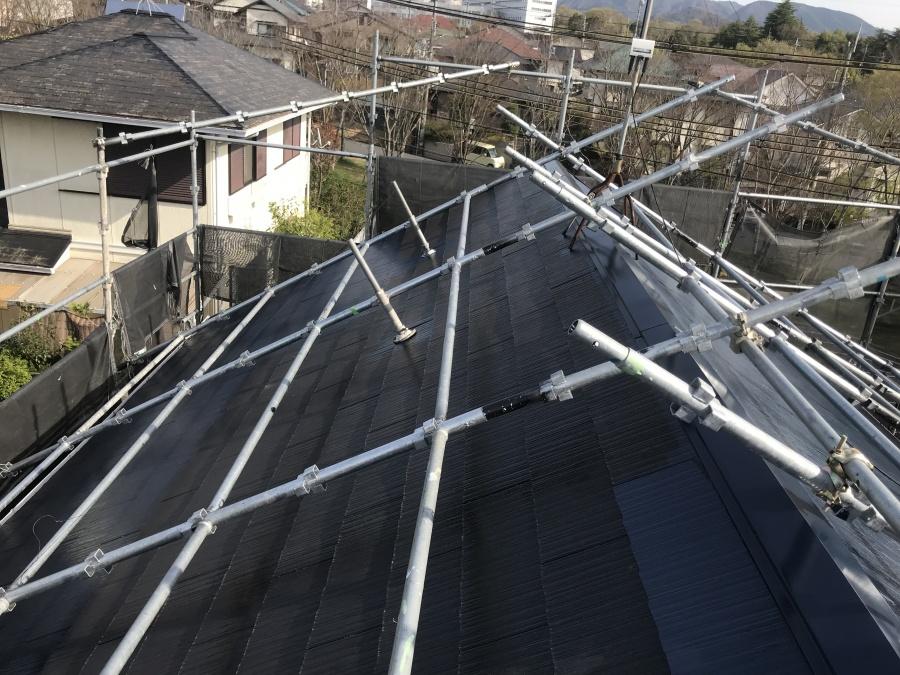 屋根は先に端部を上塗り架けます。