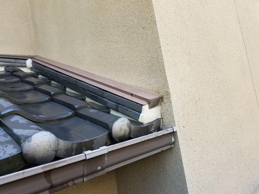 下屋根の壁際廻り漆喰詰め替え完成