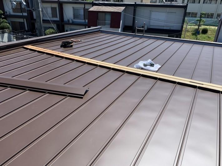 屋根工事時に棟取付 立平屋根
