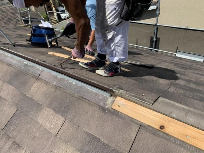 屋根リフォーム時のカラーベストの固定