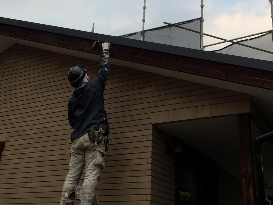 破風板の塗装も一緒に塗りました!