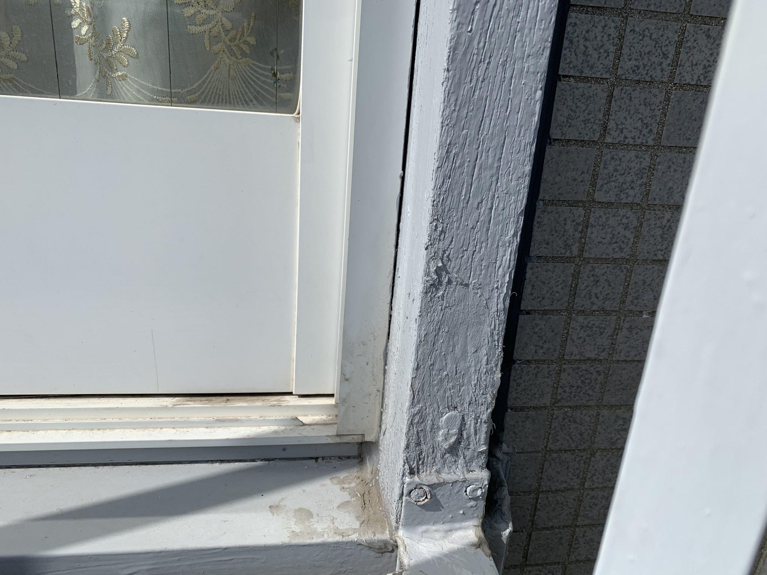 外壁とサッシの取り合い