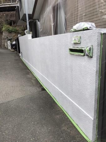 塗装前 塀の下塗り後