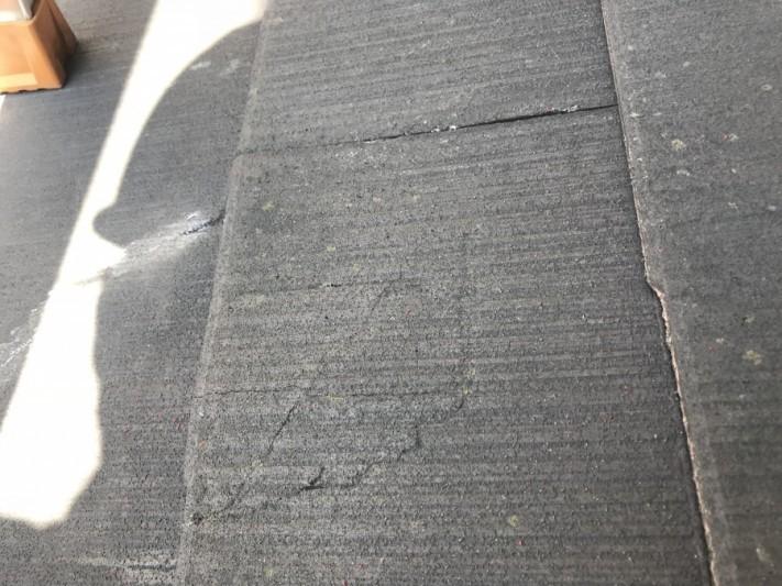 カラーベスト屋根材の割れ