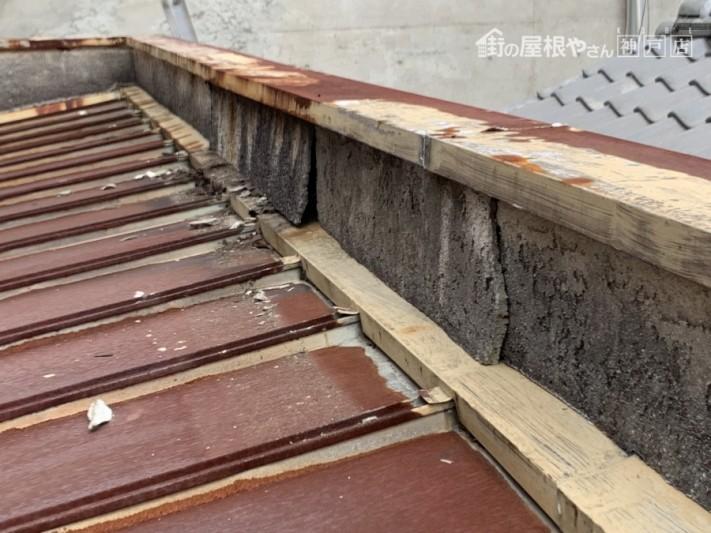 西宮市 台風被害 モルタル壁の浮き上がり
