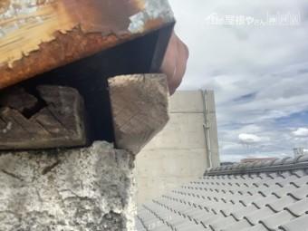 西宮市 台風被害 笠木は釘が抜け乗っているだけの状態でした。